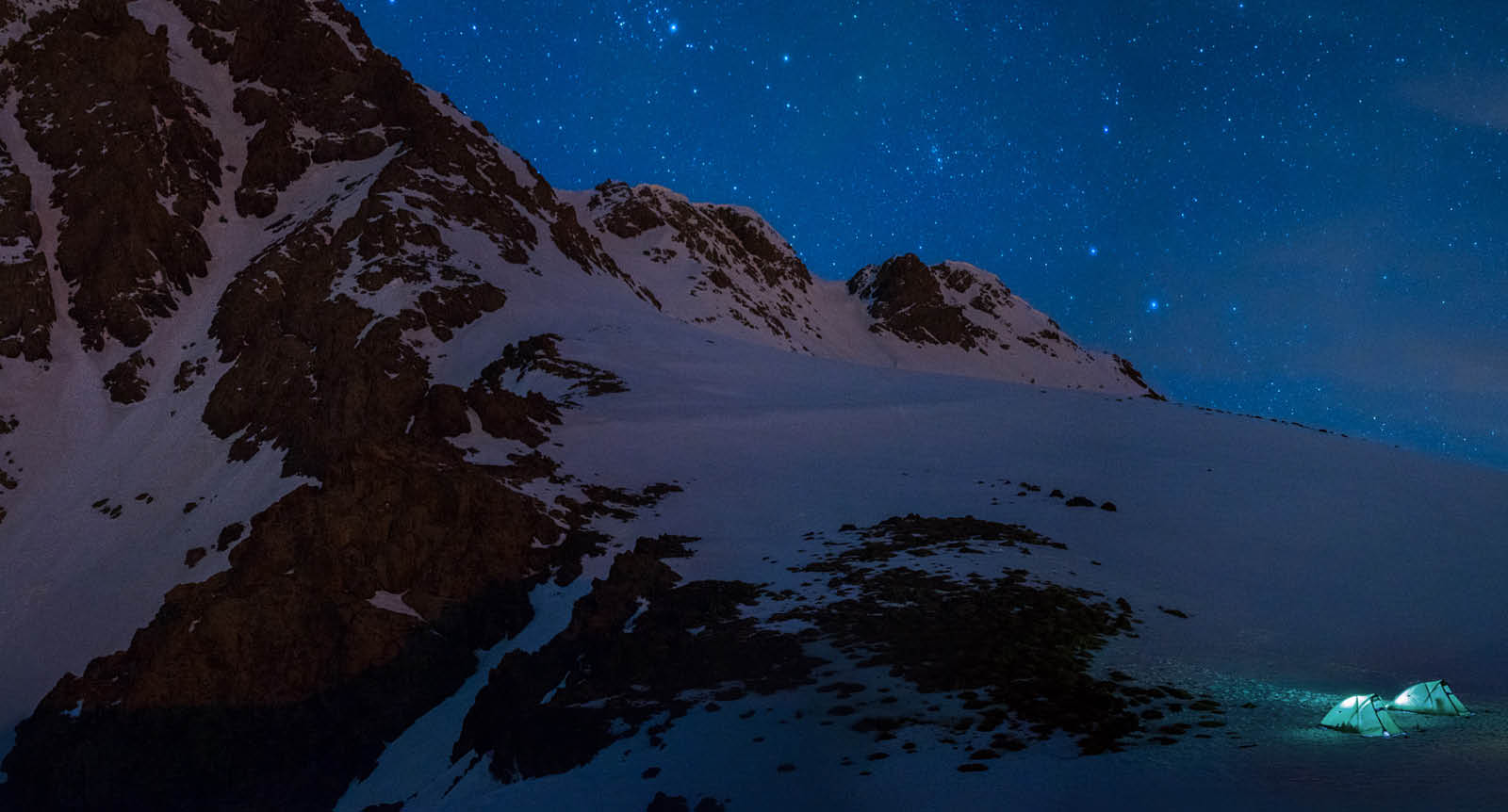 Kurdistan trekking. Camping under the stars