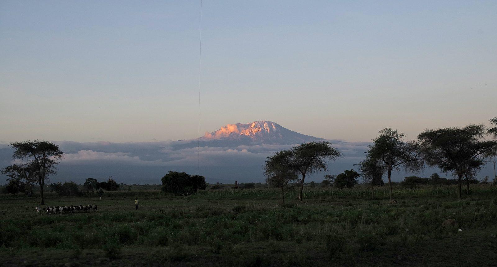 Fantastic sky at sunset over Tanzania overlooked from Mount Kilimanjaro (c) Roman Boed
