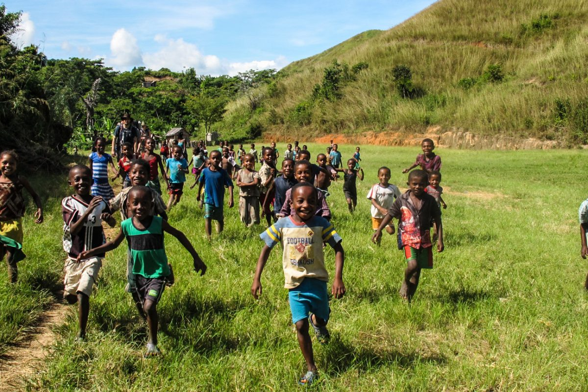 Madagascar, Malagasy children very happy seeing the trekkers