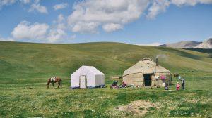 kyrgyzstan-nomads-yurts