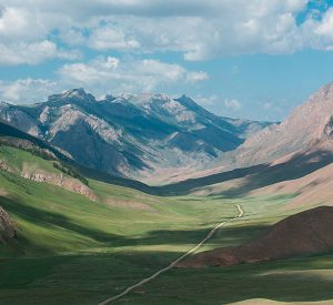 kyrgyzstan-trekking-peaks
