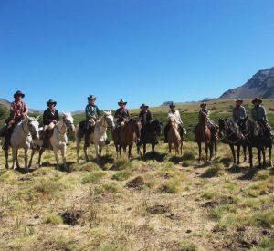 horse-pack-trip
