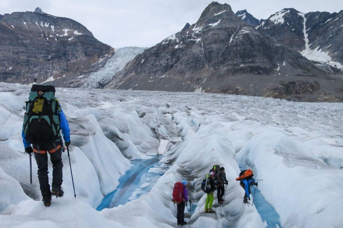 Glacier traverse in Greenland © Helen Spenceley