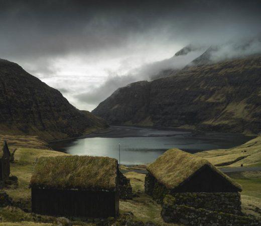 huts-faroe-islands