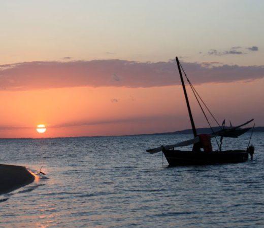 sailing-boat-lamu-archipelago