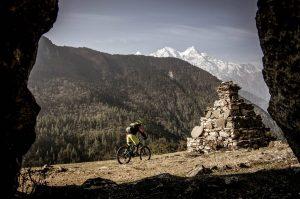 mountain biking experience in the Himalaya