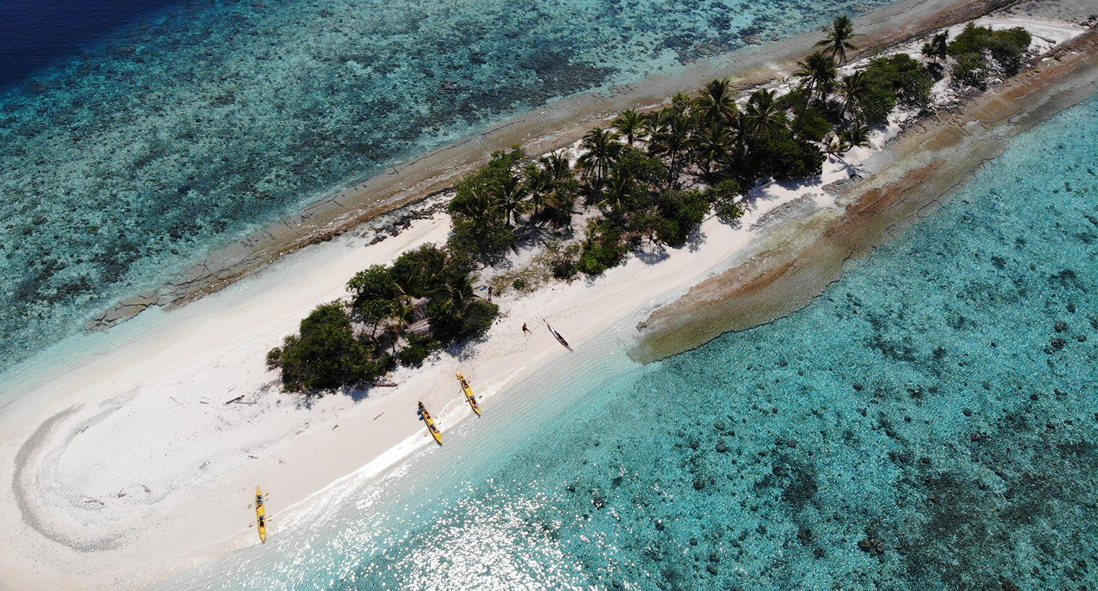 sea-kayaking-papua-new-guinea